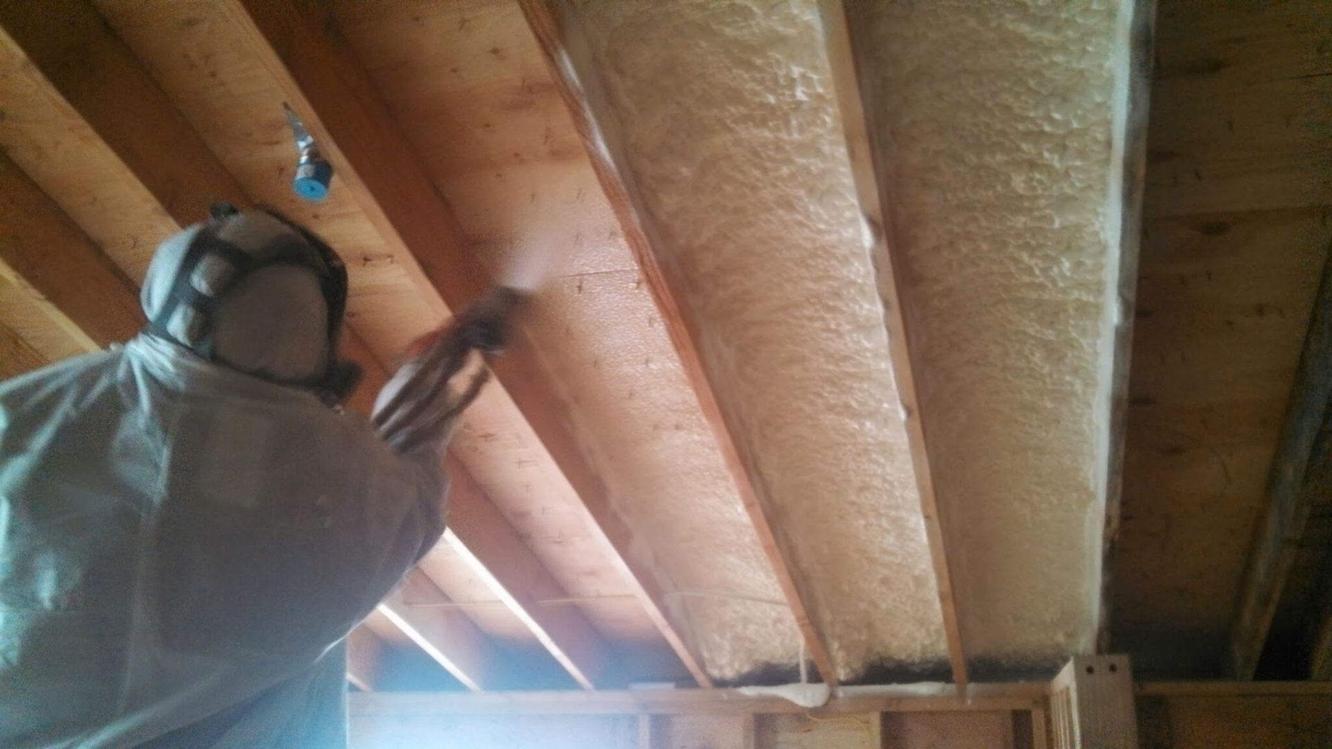 Insulation foam nexseal le 20 spray foam insulation ses for Insulation cost comparison